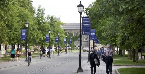 Alumni & Giving Image